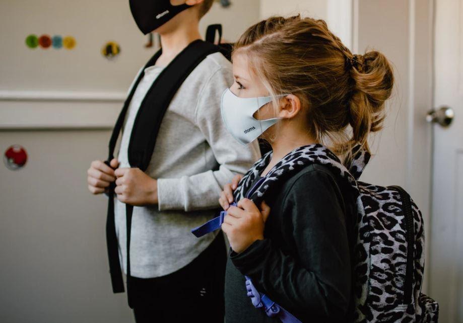 kids wear mask