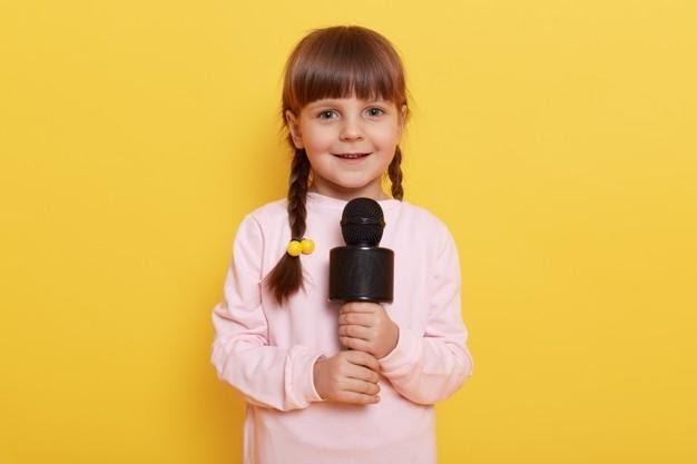 Girl with Mic: Topics for Speech